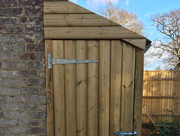 Oakwood Fencing Garden Sevices