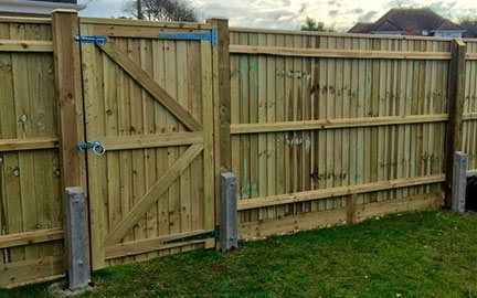 Fencing by Oakwood Fencing